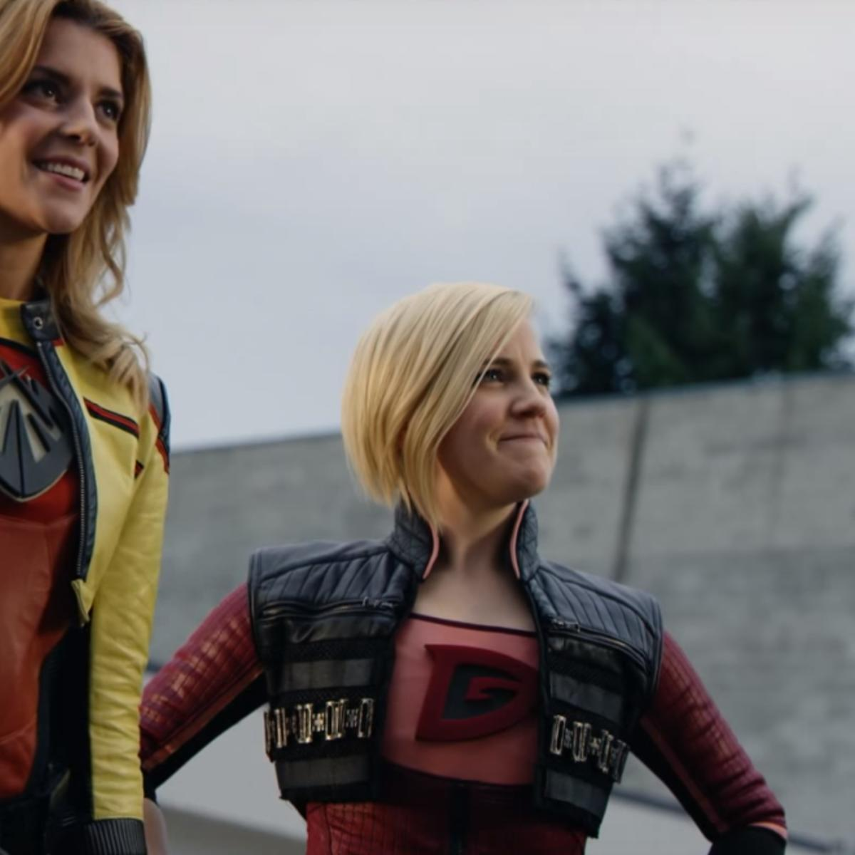 Electra-Woman-and-Dyna-Girl-trailer-screenshot.png