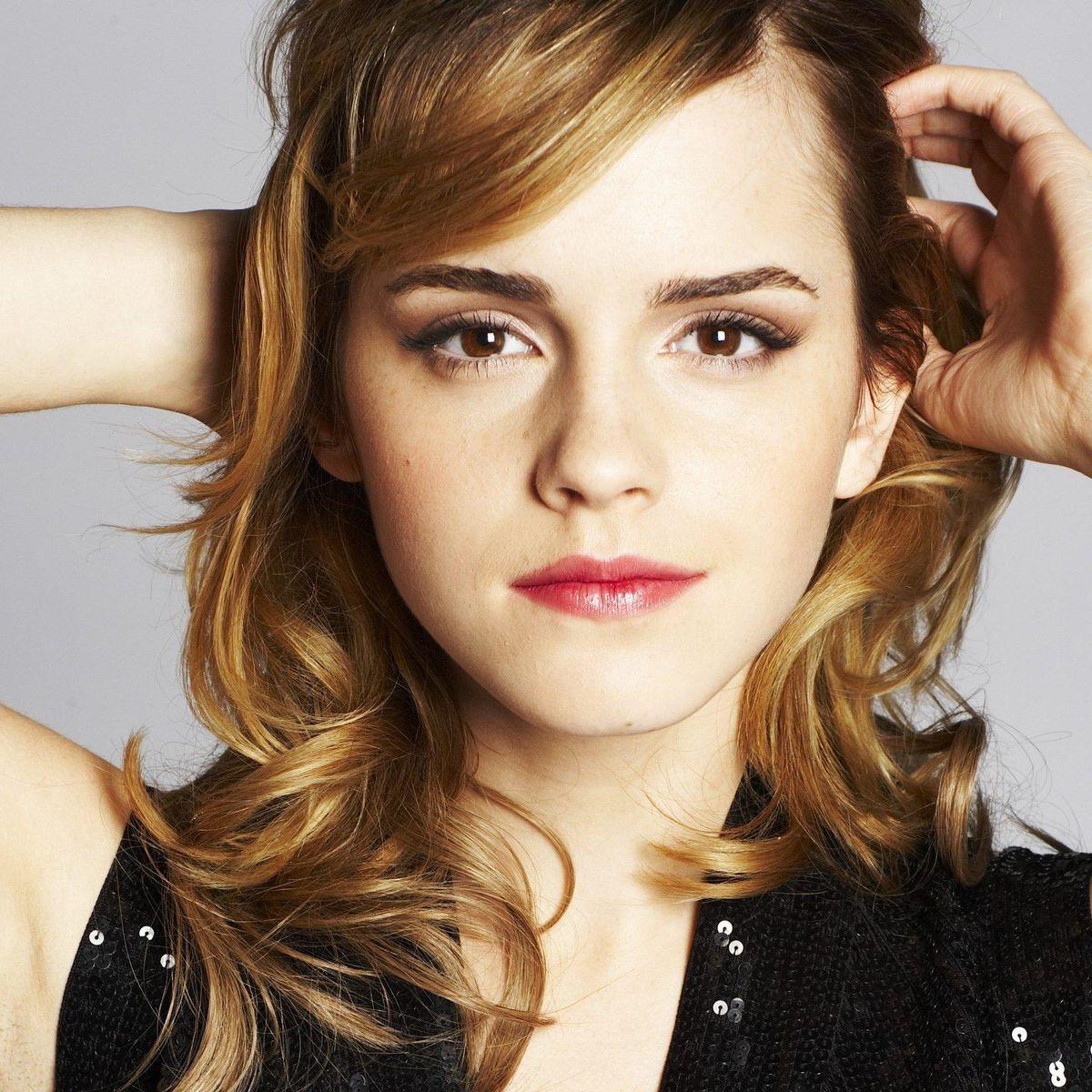Emma-Watson-emma-watson-13071732-2494-1663.jpg