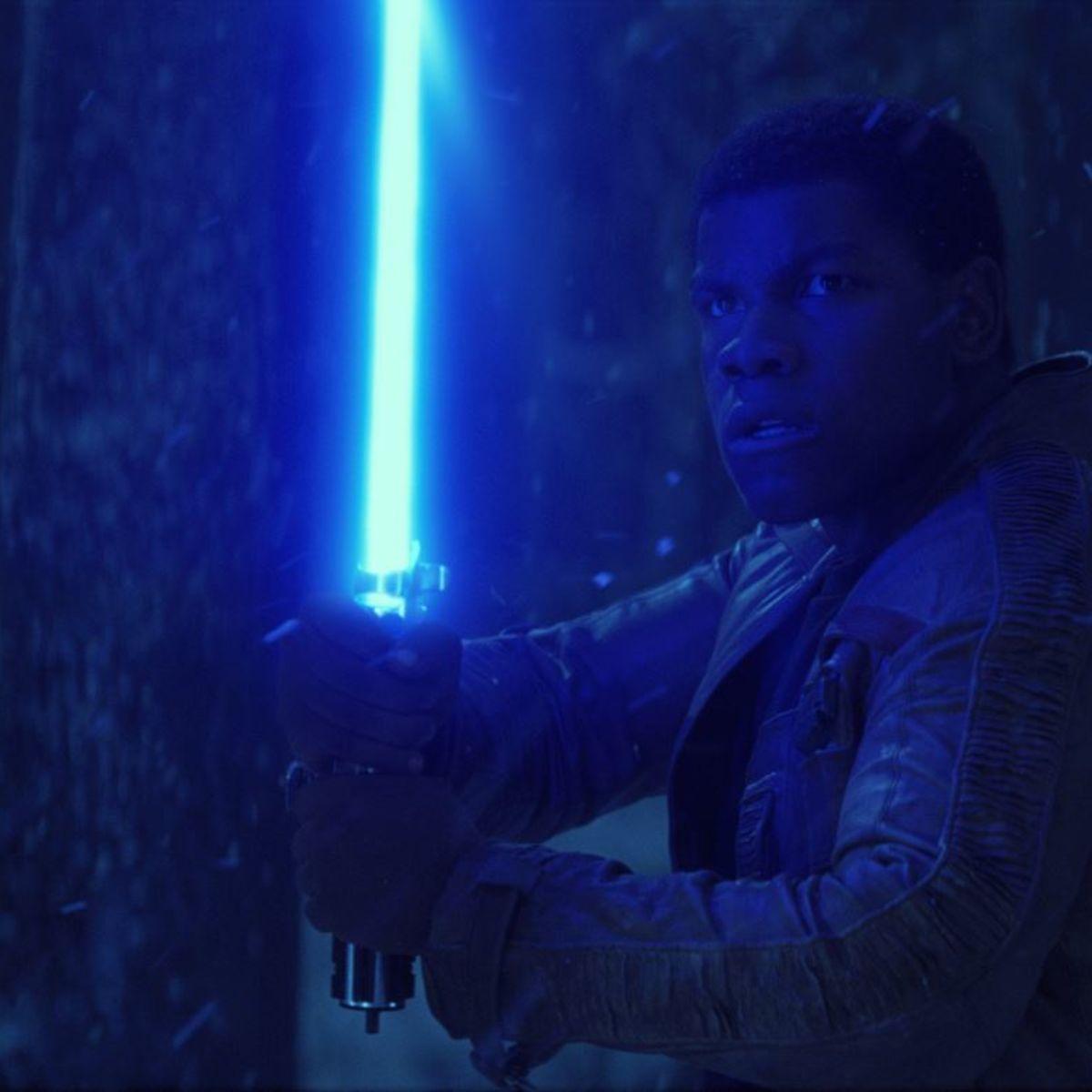 Finn-lightsaber-Star-Wars-VII.jpg