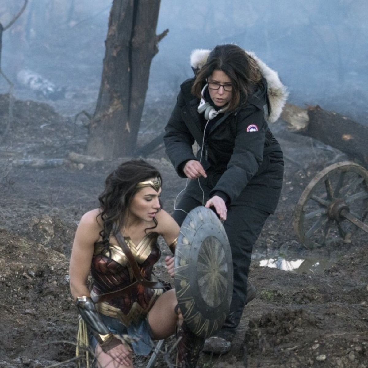 Gal-Gadot-Patty-Jenkins-Wonder-Woman.jpg