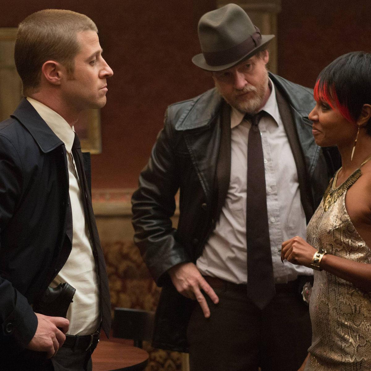 Gotham_EP102_MooneysNightClub.jpg
