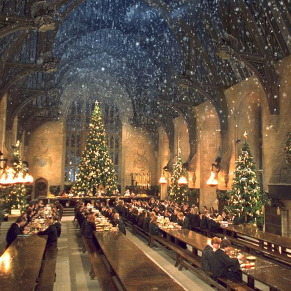 HogwartsChristmas.jpg
