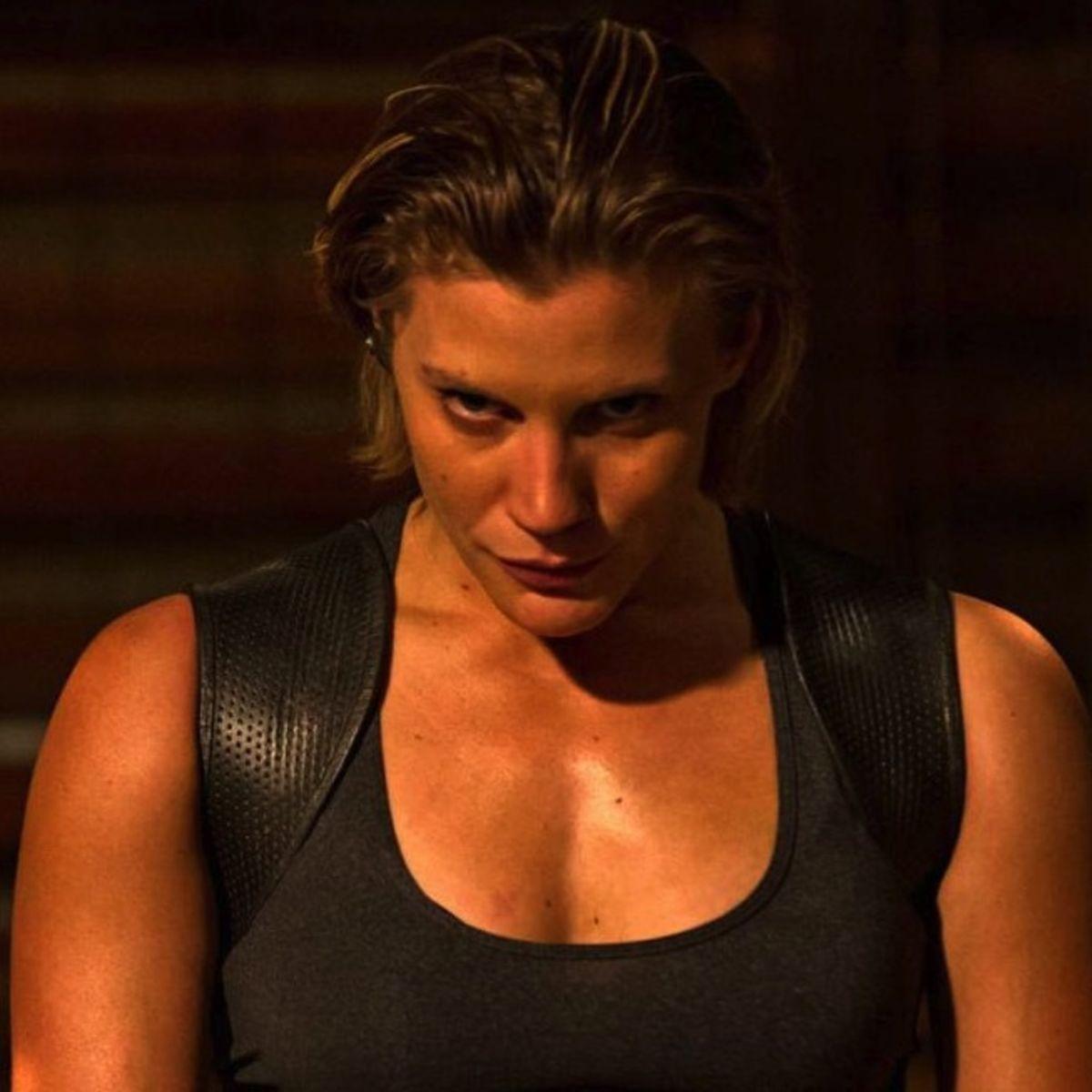 Katee-Sackhoff-in-Riddick-2013-Movie-Image.jpg