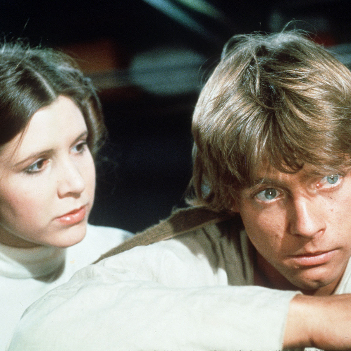 Luke-Leia-Star-Wars.jpg