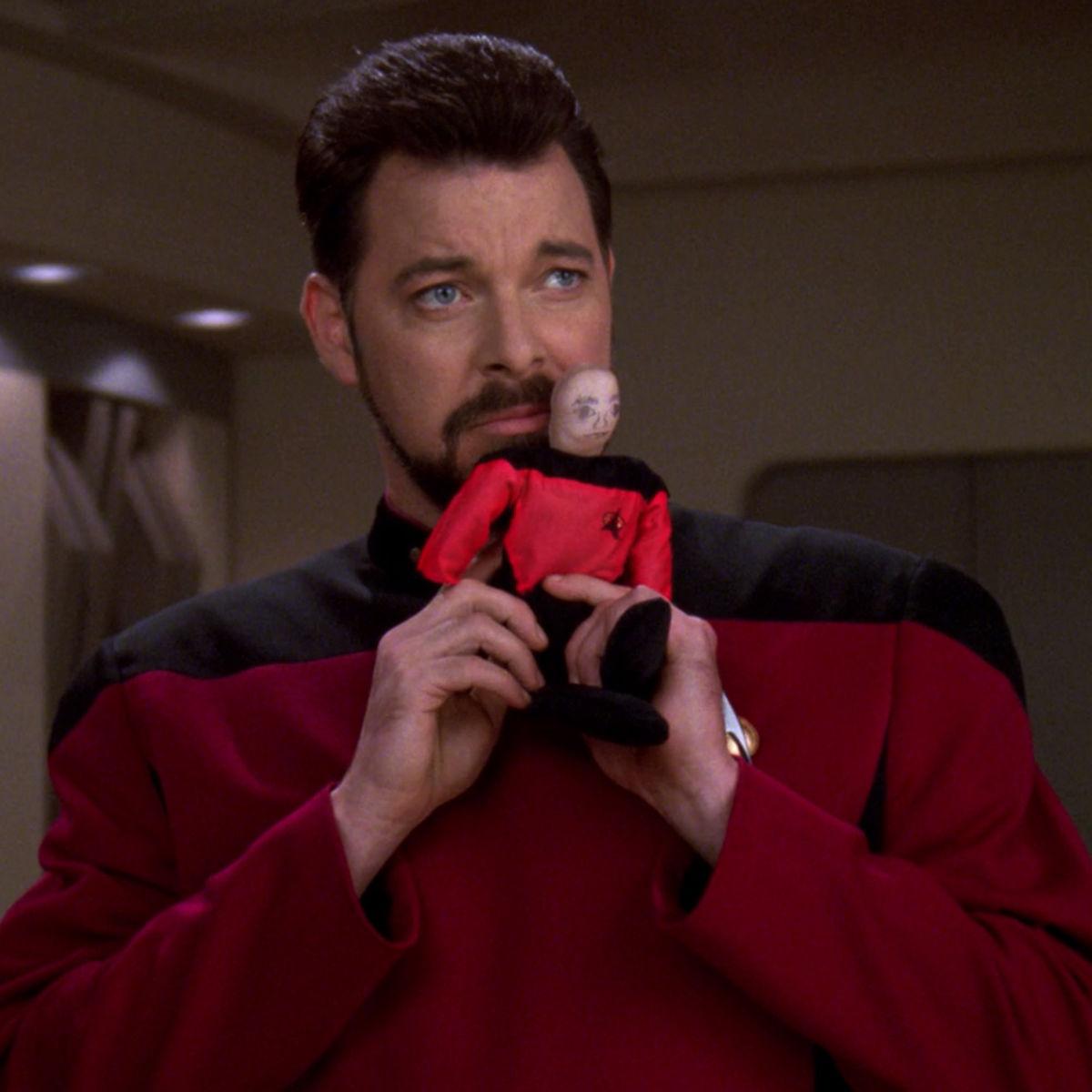 Riker_imitates_Picard.jpg
