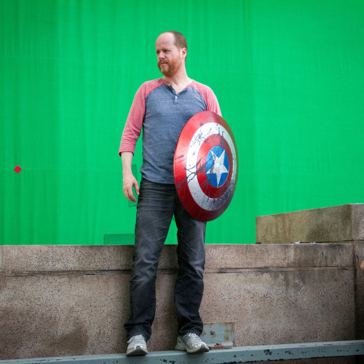 The-Avengers-BTS-Joss-Whedon.jpg