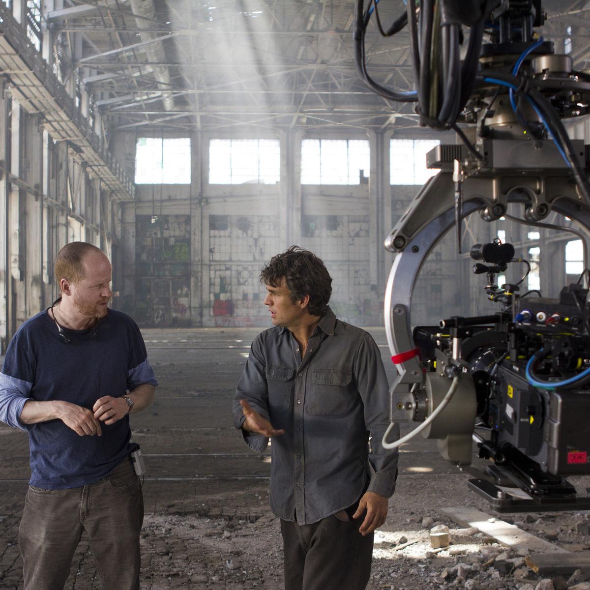 The-Avengers-Joss-Whedon-Directs-Mark-Ruffalo.jpg