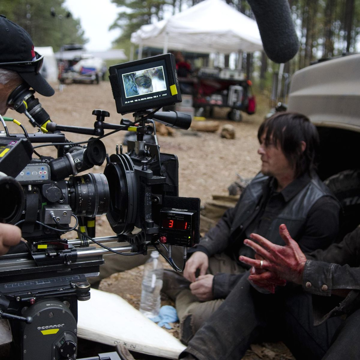 The-Walking-Dead-Season-4-Finale-Previously-Unreleased-Promotional-and-BTS-Photos-38_FULL.jpg