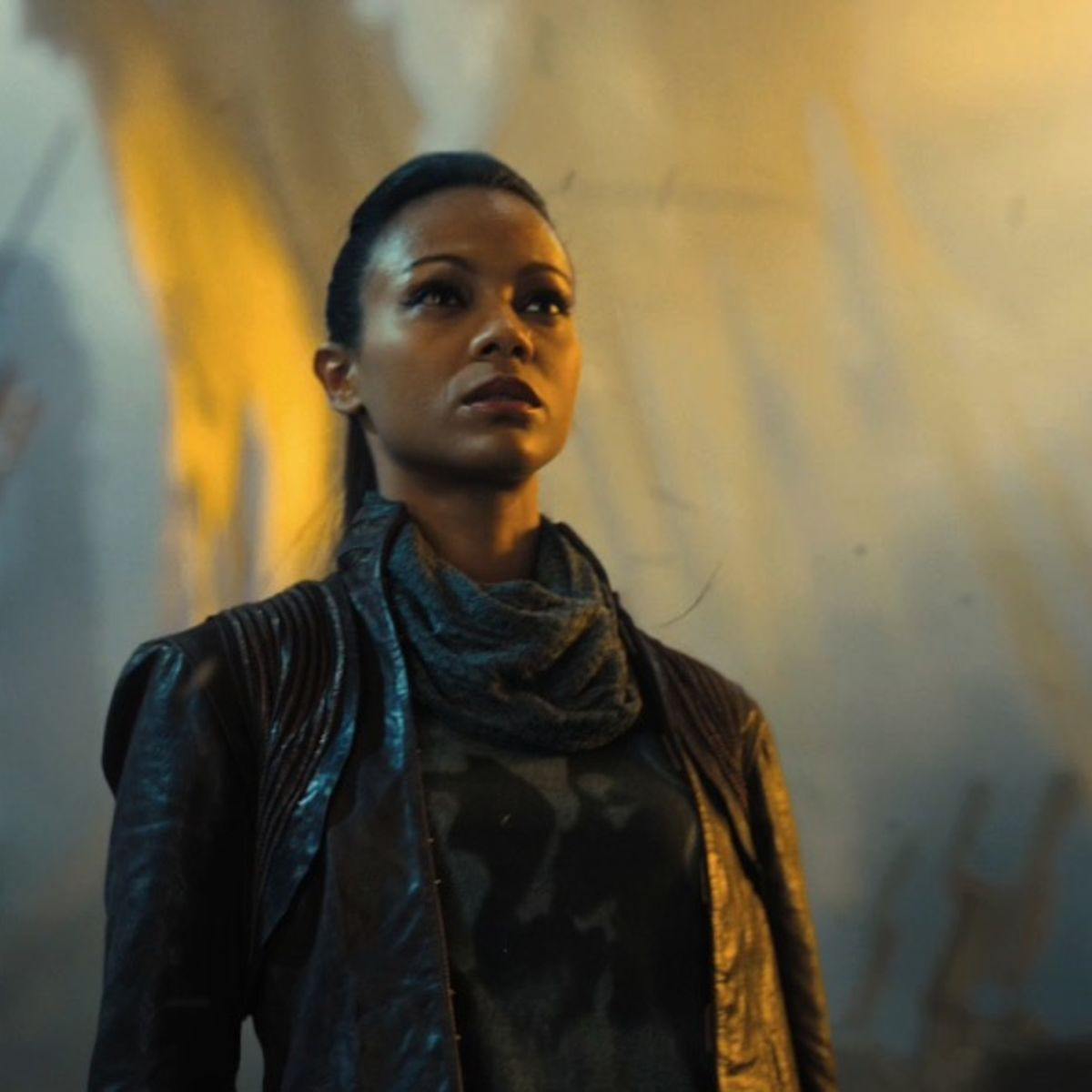 Uhura-Star-Trek-into-Darkness-zoe-saldana-as-uhura-32970227-1433-587.jpg