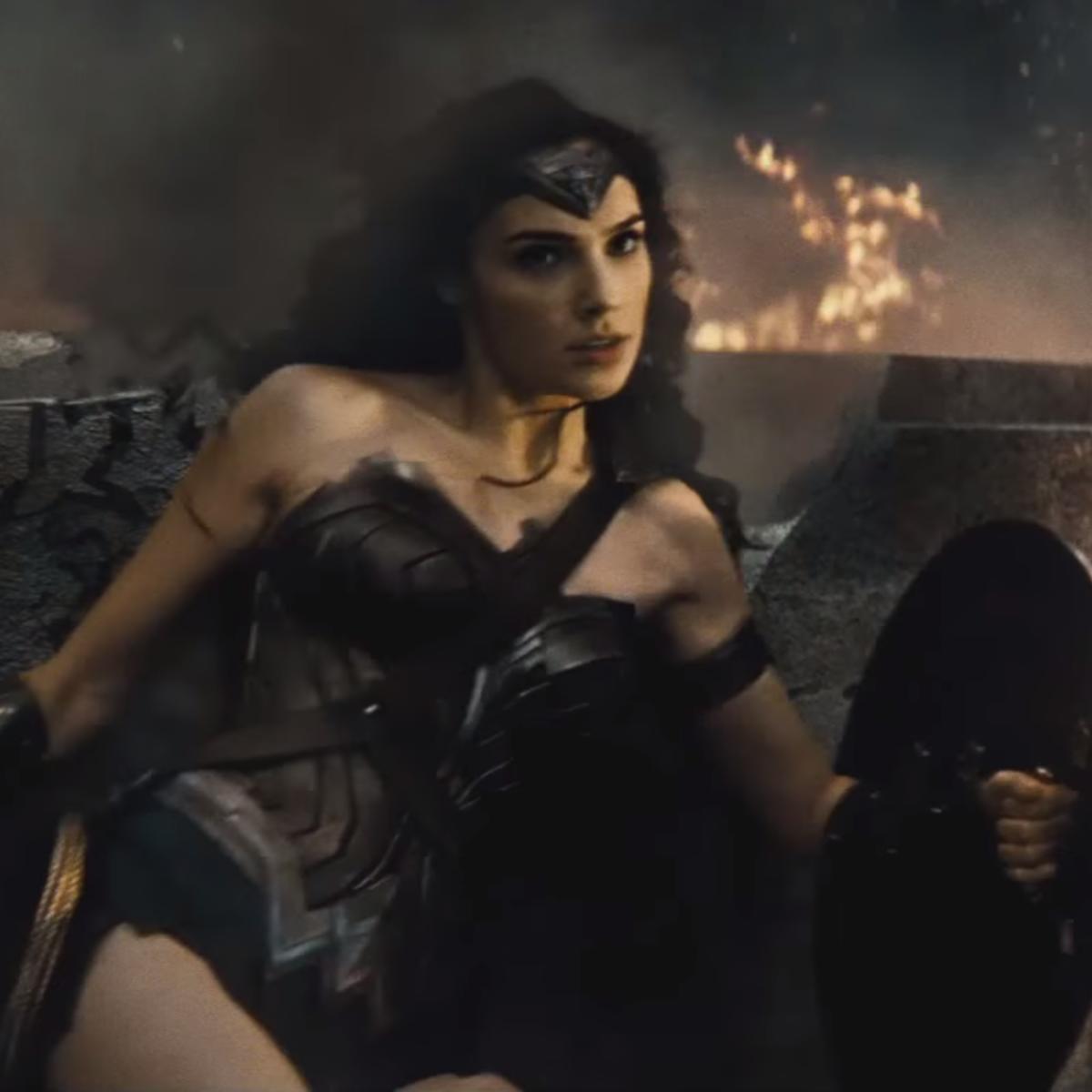 Wonder_Woman_Gal_Gadot_Batman-v-Superman-SDCC-trailer-1.png