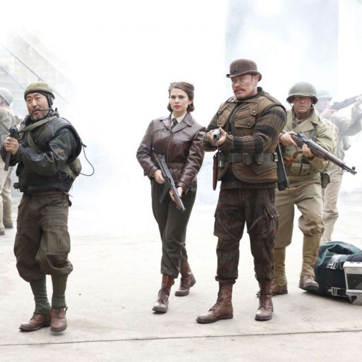 agents-carter-and-commandos.jpg
