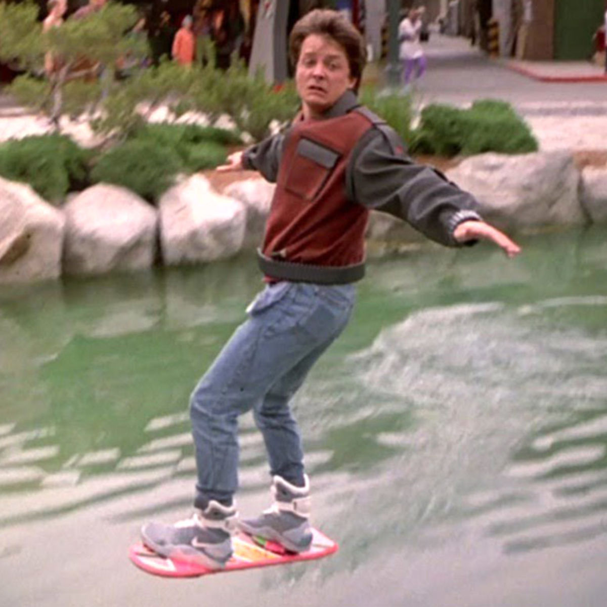 back-to-the-future-hoverboard-ftr.jpg