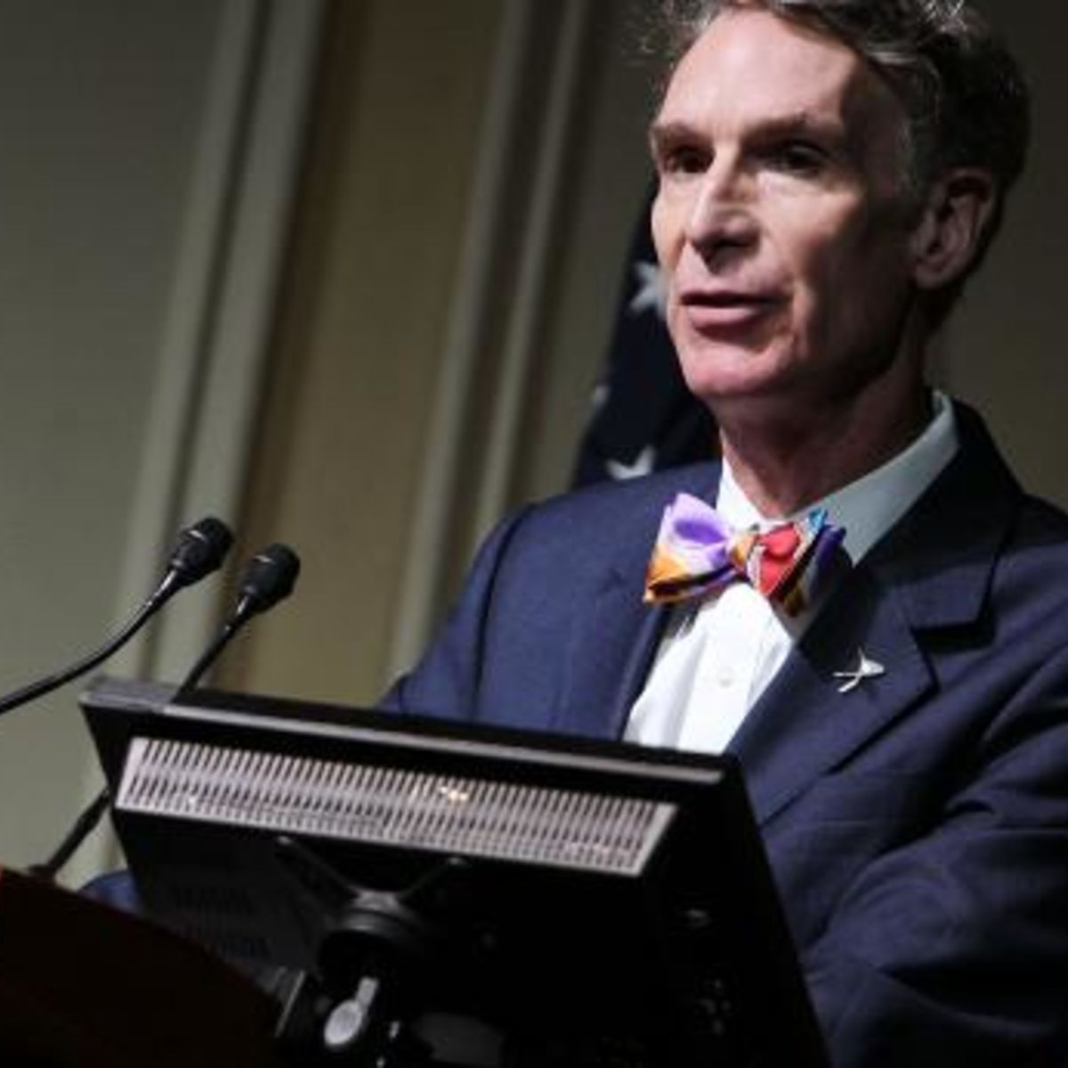 187770474-bill-nye-makes-a-few-remarks-at-a-celebration-of-carl.jpg.CROP.rectangle-large.jpg