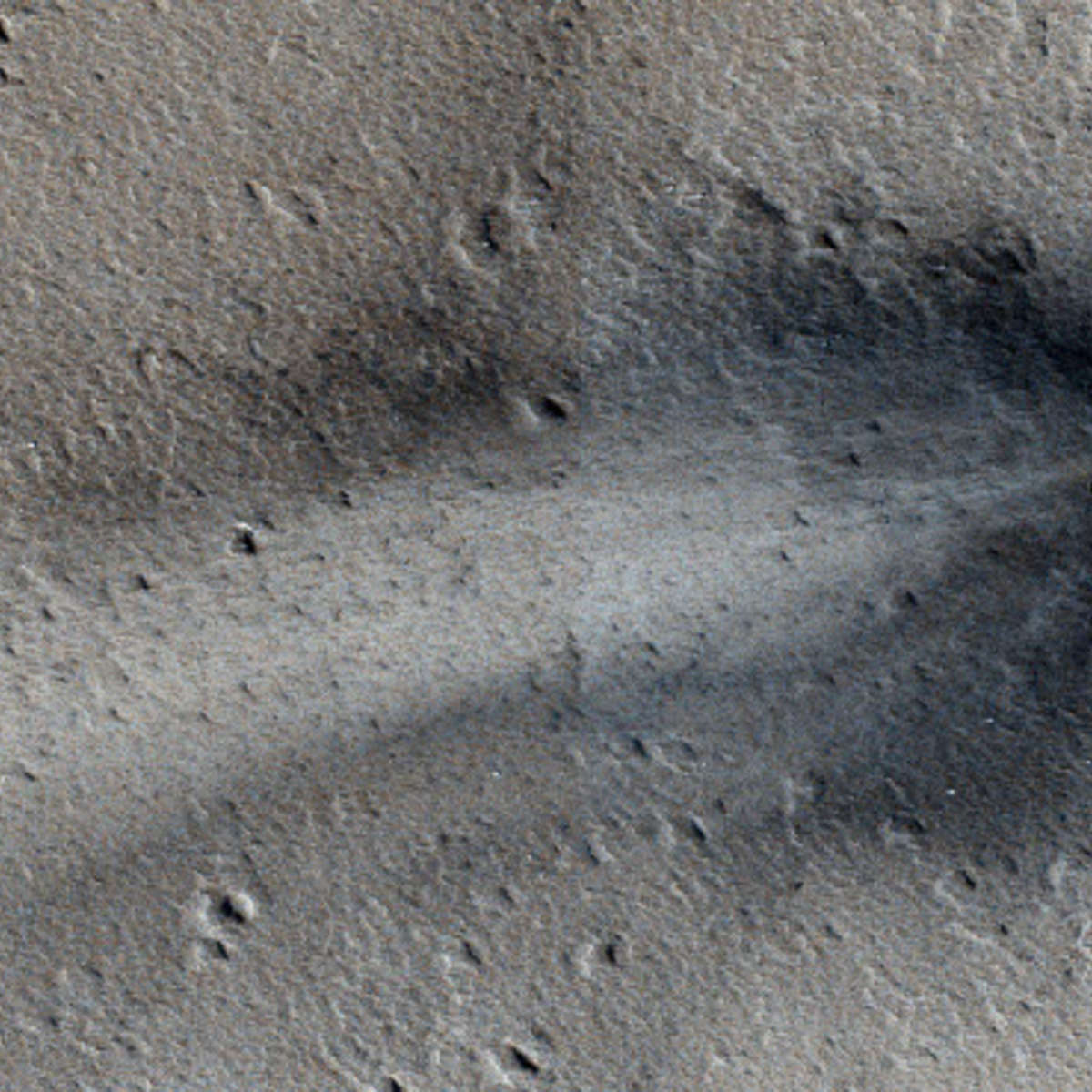 mro_newcrater_enhanced_0.jpg