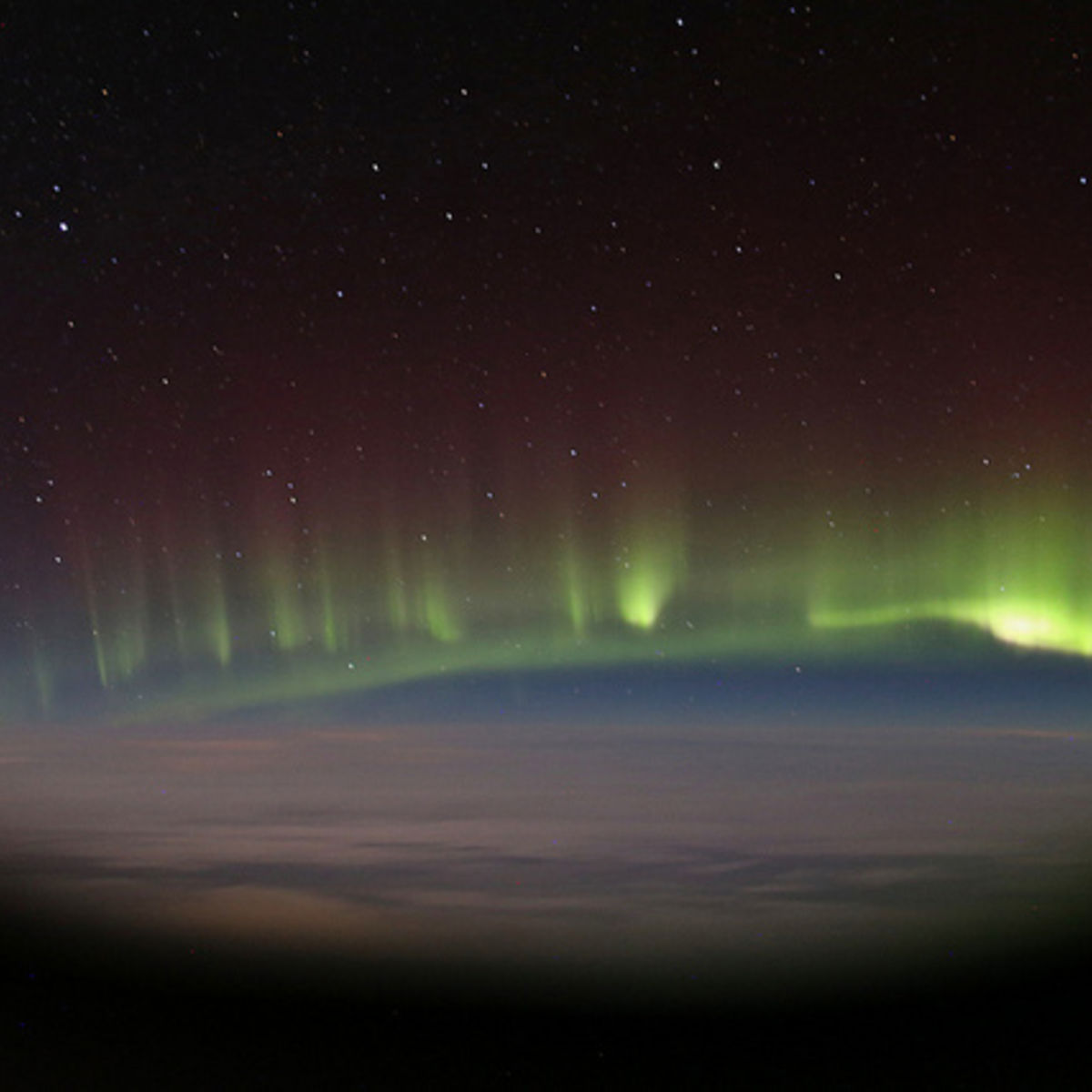 paulwilliams_aurora_airplanewindow.jpg