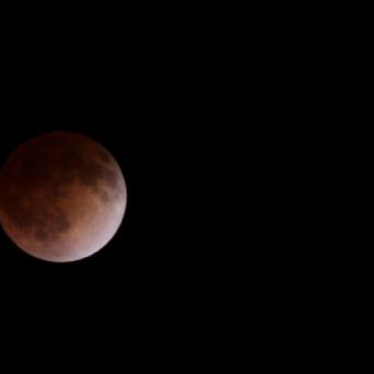 totaleclipse_apr142014.jpg.CROP.rectangle-large_0.jpg
