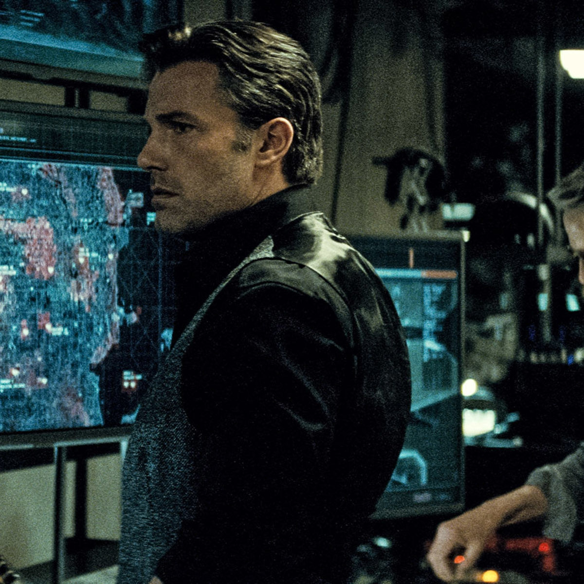 batman-vs-superman-ben-affleck-jeremy-irons.jpg