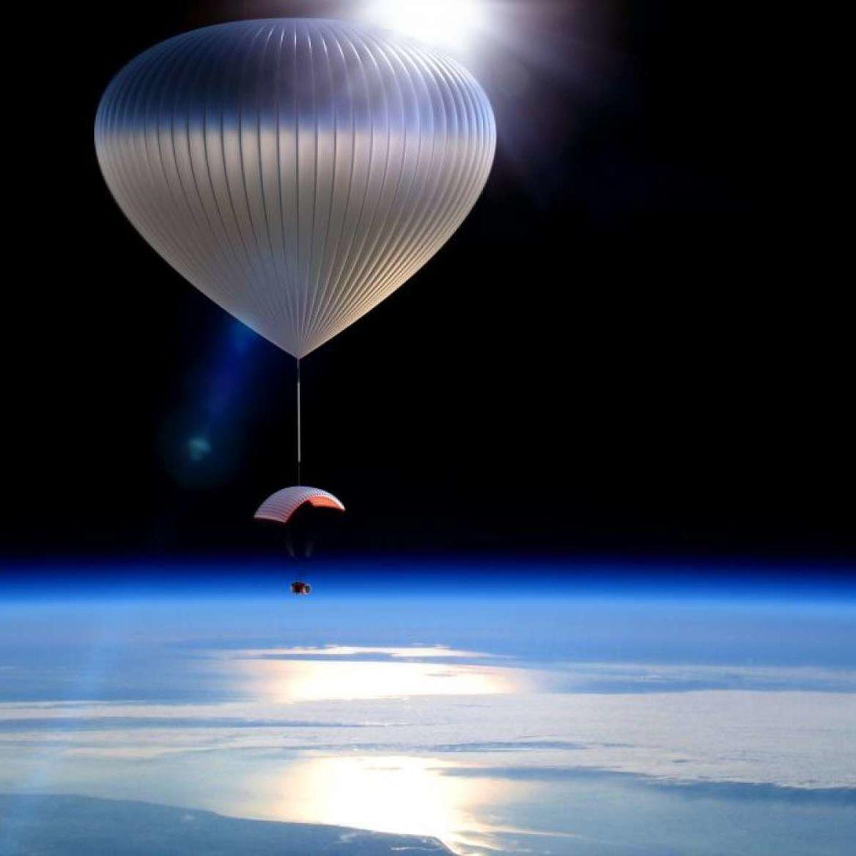 capsule_balloon_space_131112_3.jpg