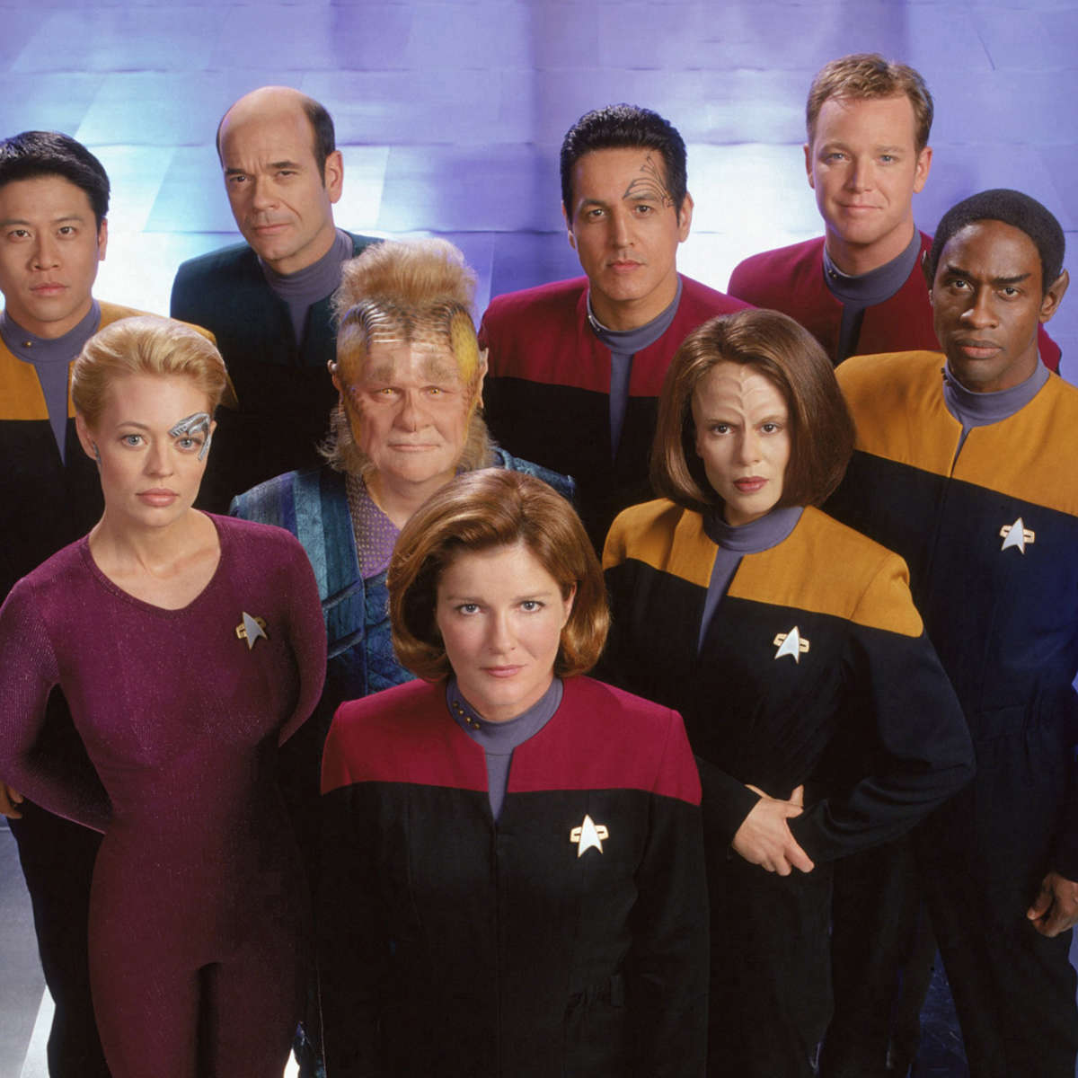 cast-of-star-trek-voyager-5.jpeg