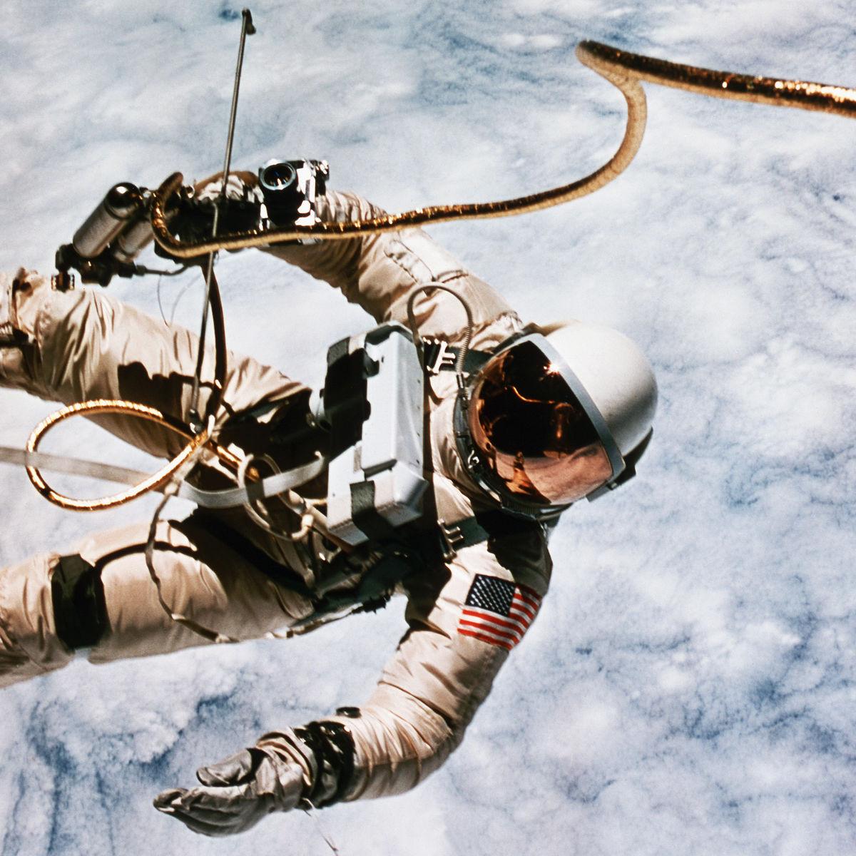 first-spacewalk-by-us-astronaut.jpg