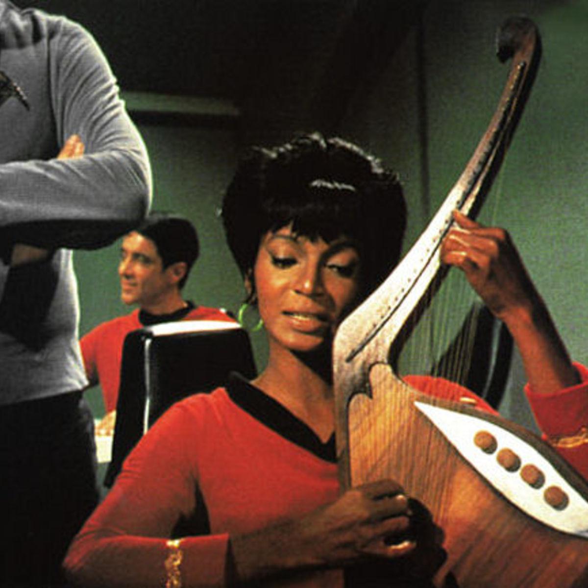 StarTrek_uhura_Nichols_singing_0.jpg