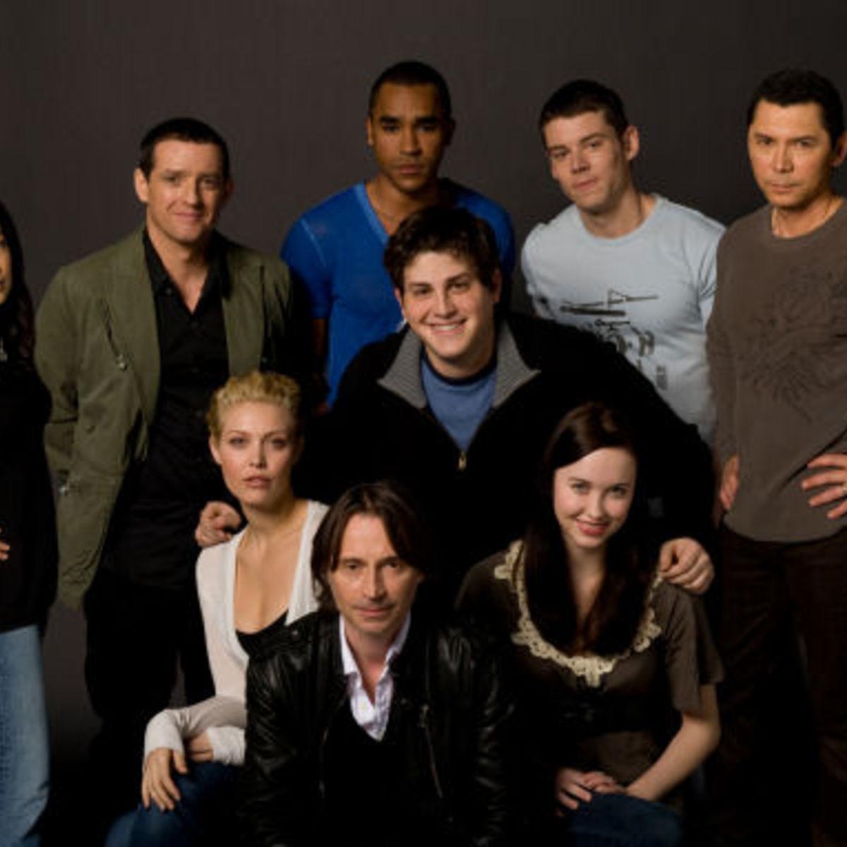 Stargate_universe_cast_2.jpg