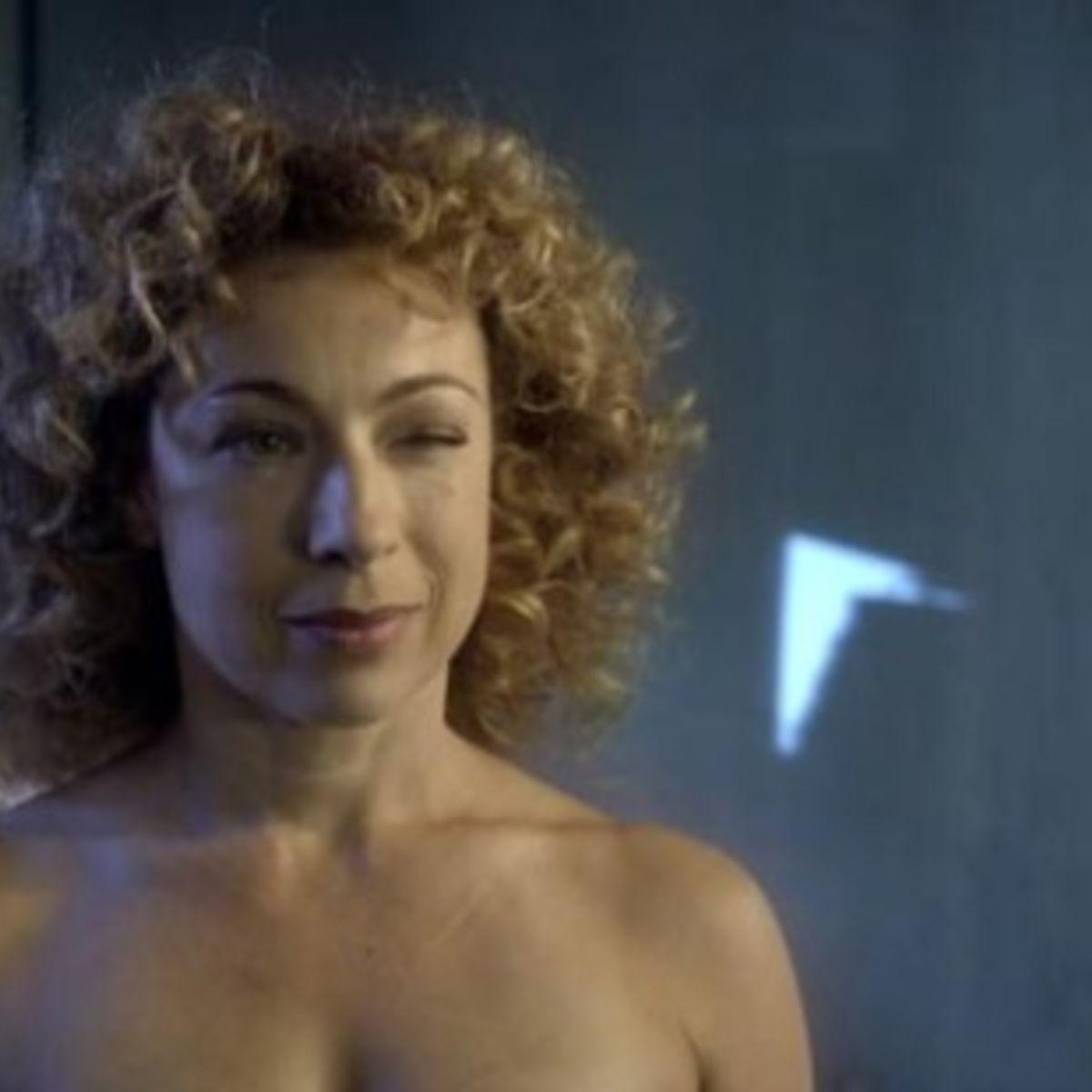 doctor-who-series-6-trailer-River-naked_1.jpg