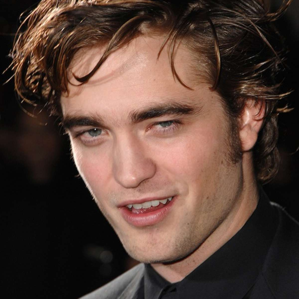 robert_pattinson_smirk.jpg