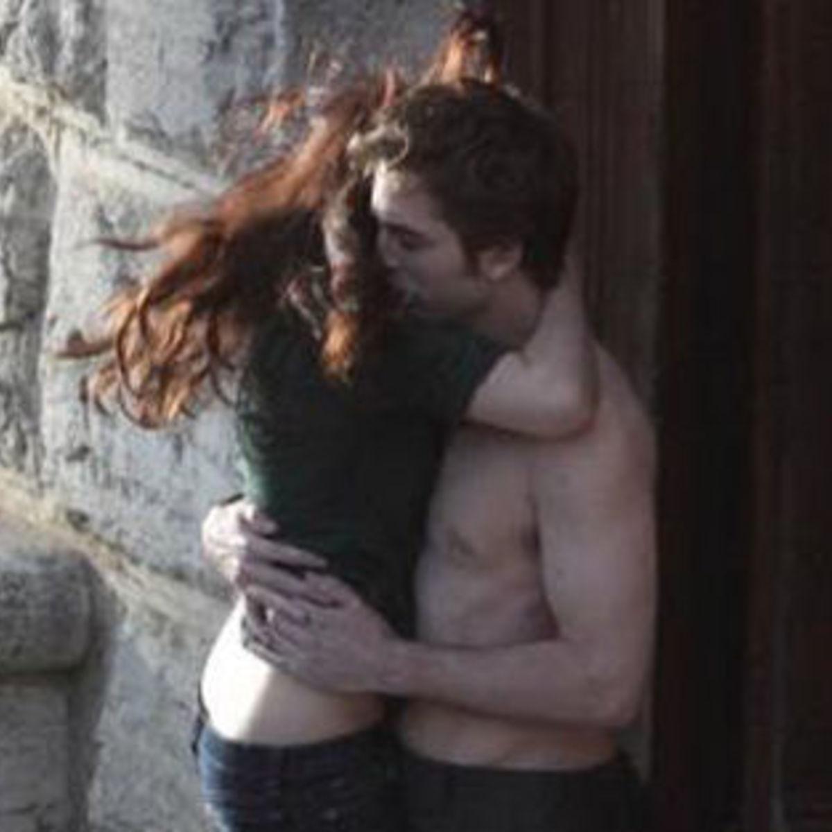 The_Twilight_Saga%20_New_Moon_kiss_italy.jpg