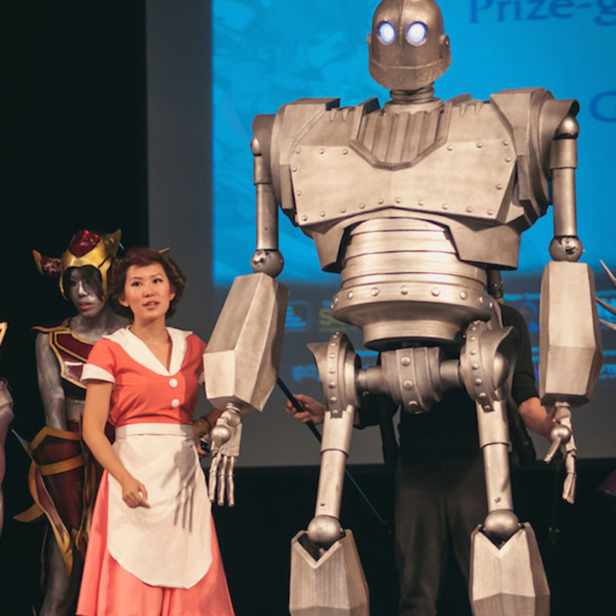 iron-giant-cosplay.jpg