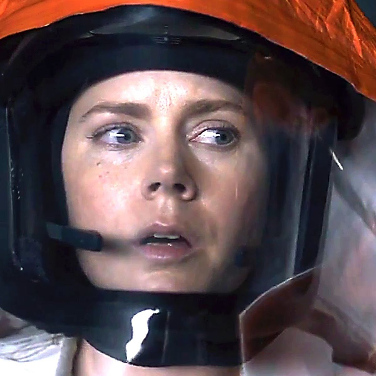 Watch Amy Adams and Jeremy Renner commune with cosmic visitors in first  clips for Arrival