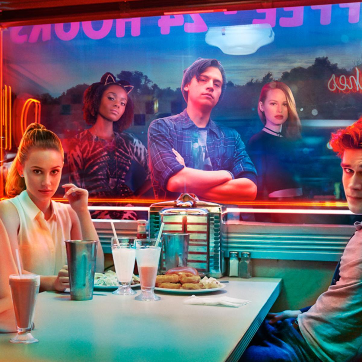Riverdale Sdcc Season 2 Sneak Peek Shows Aftermath Of Shocking