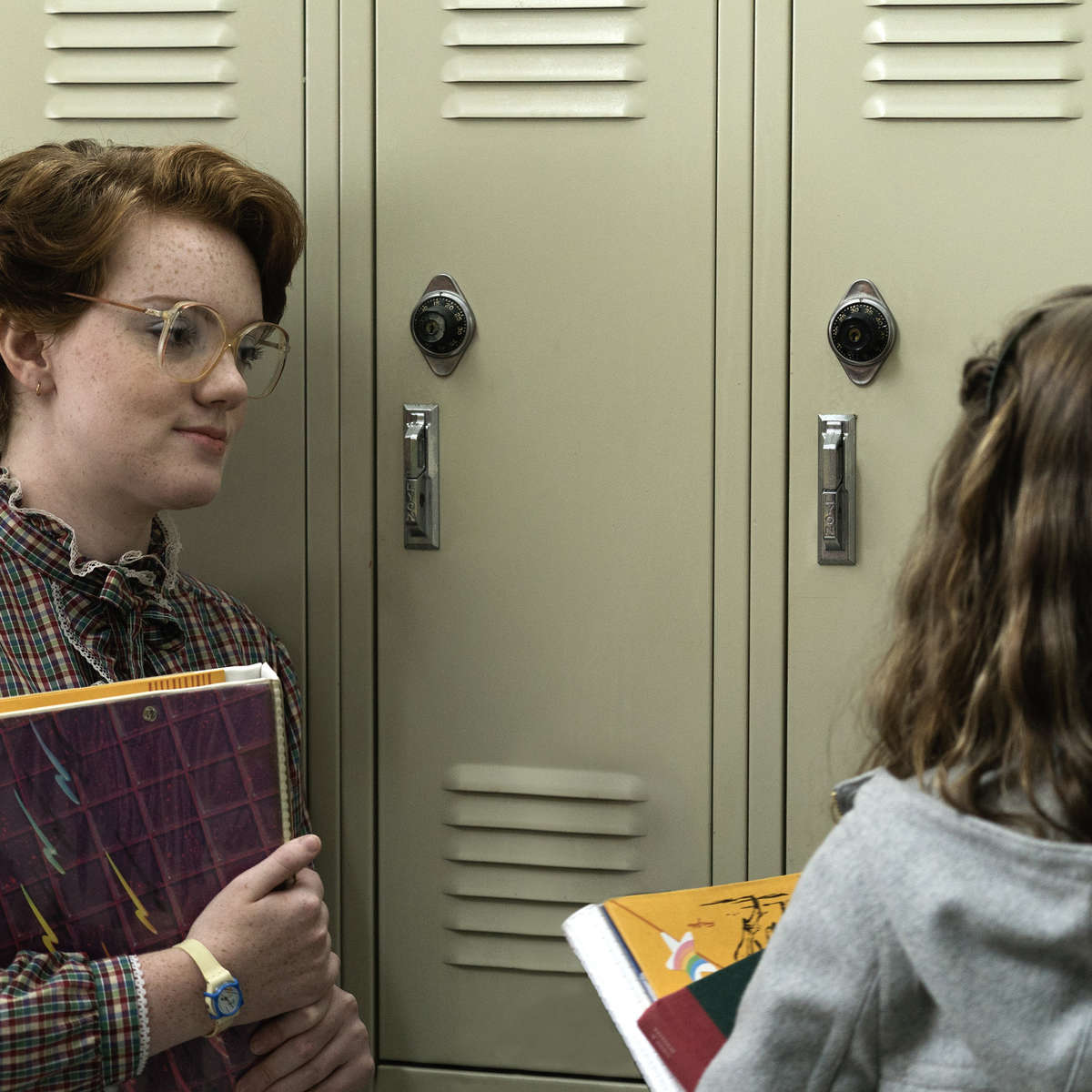 stranger-things-barb-nancy.jpg