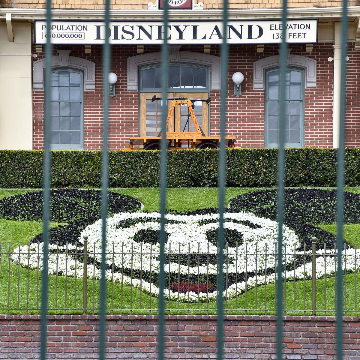 Disneyland closed via Getty Images