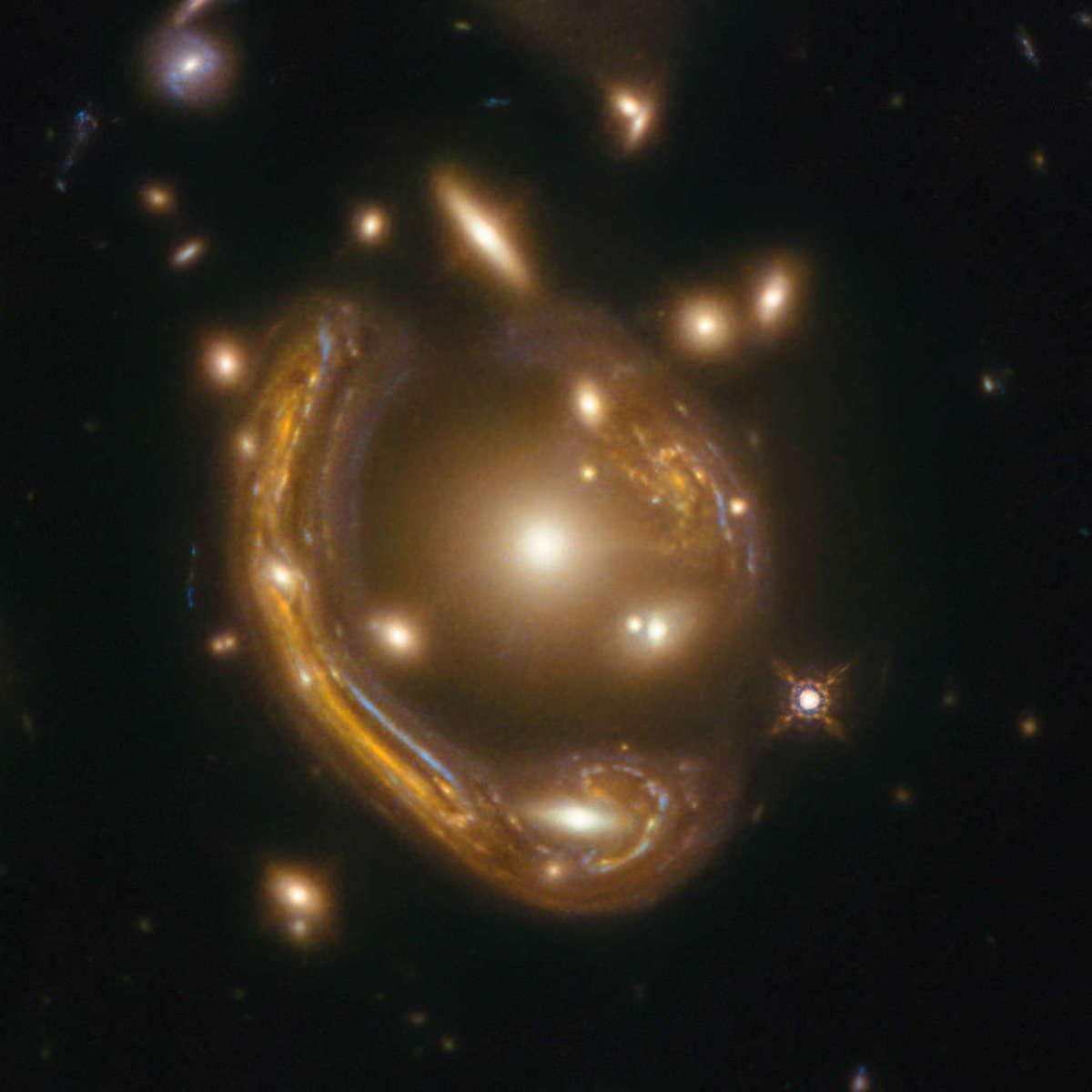 Phil Plait Bad Astronomy hst_moltenring_detail