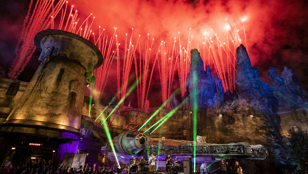 Portugal. The Man rocks Star Wars: Galaxy's Edge in history-making holiday performance