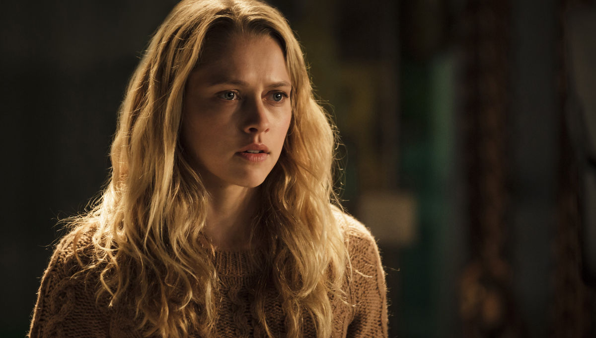 A Discovery of Witches TV adaptation casts Teresa Palmer and