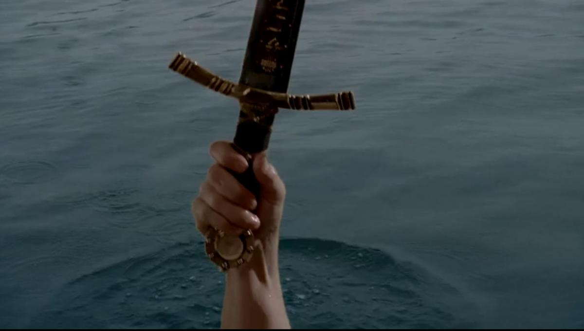 Girl finds Excalibur in a lake, is our ruler now