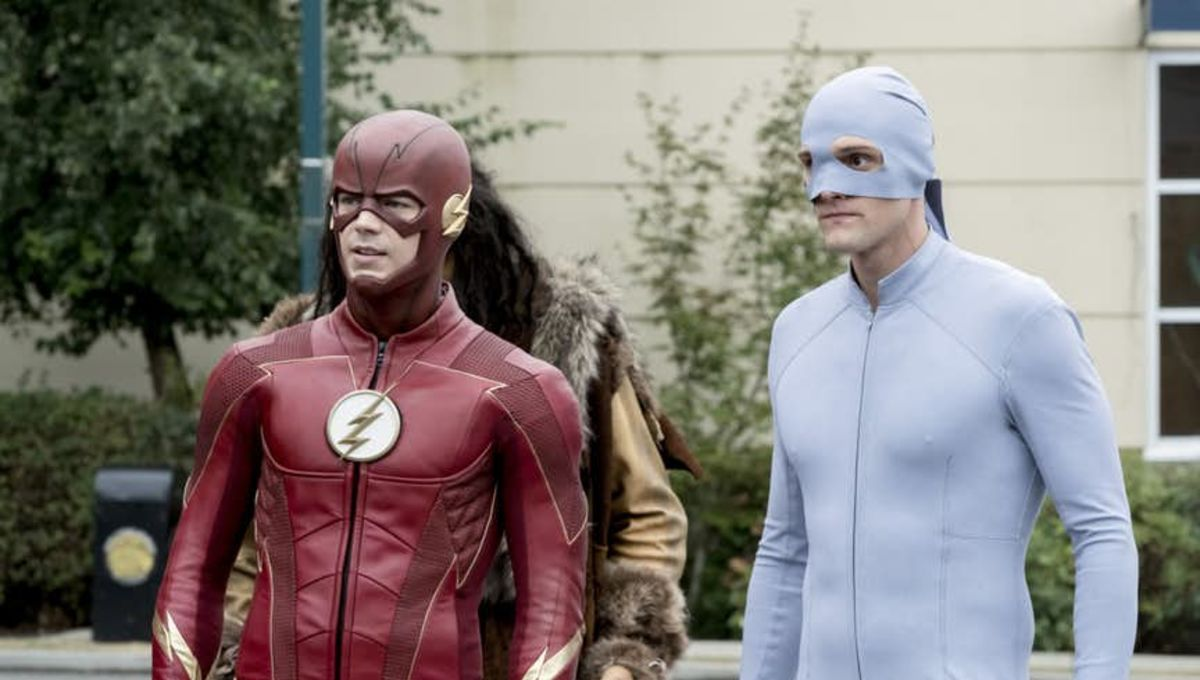 The Flash Star Hartley Sawyer Previews Elongated Man S New Moves