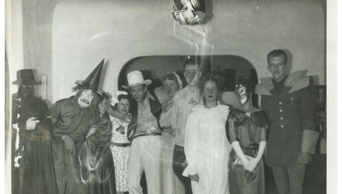 cosplay_1946_worldcon_masquerade.jpg