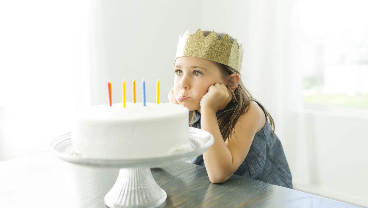 sad_girl_birthday_cake_.jpg