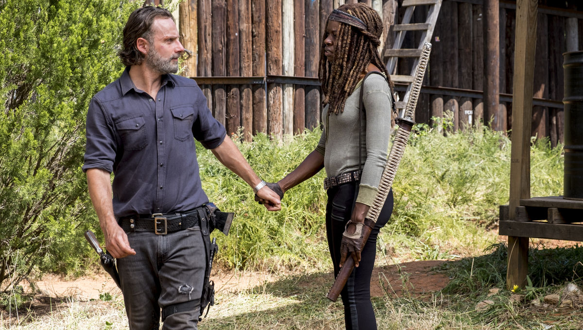 The Walking Dead episode 812 - Michonne and Rick holding hands