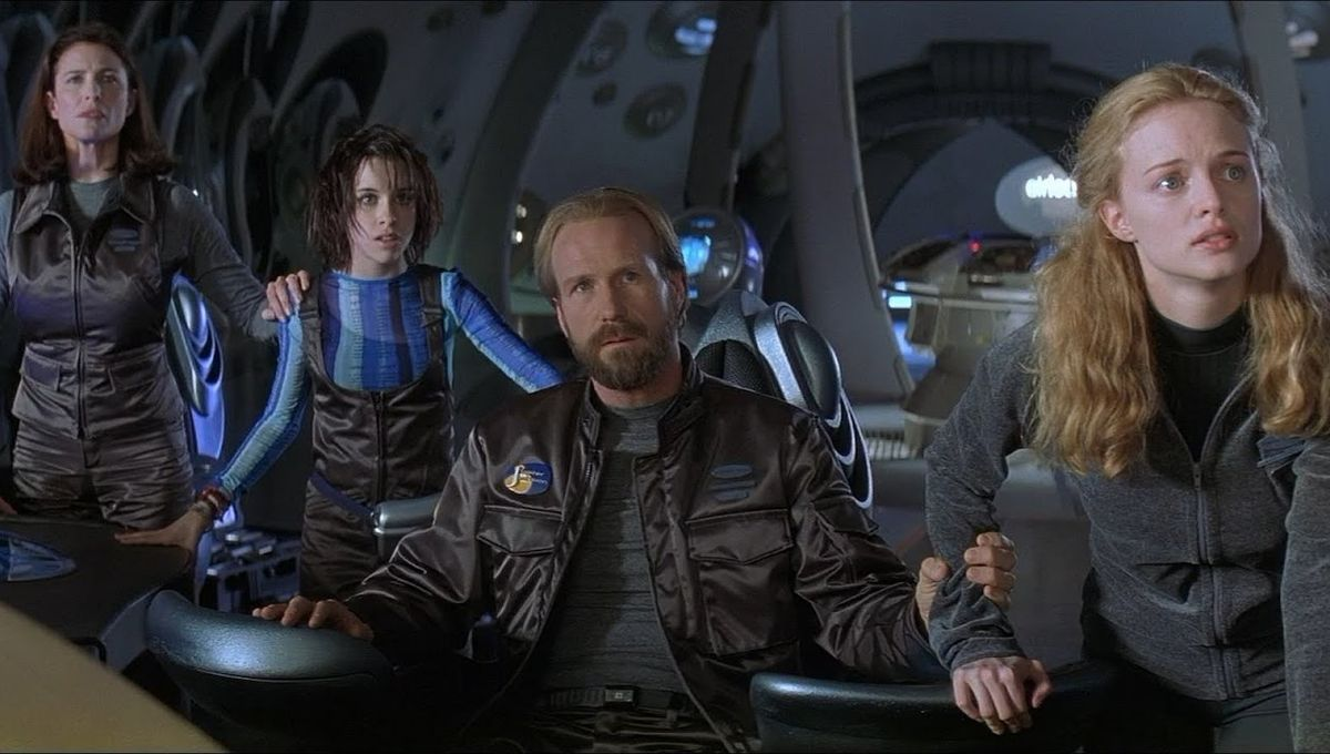 What Went Wrong On The 1998 Lost In Space Movie Syfy Wire
