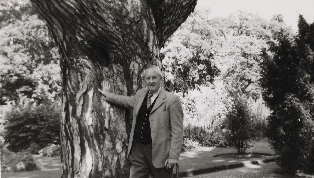 Tolkien: Maker of Middle-earth archival exhibit coming to Oxford