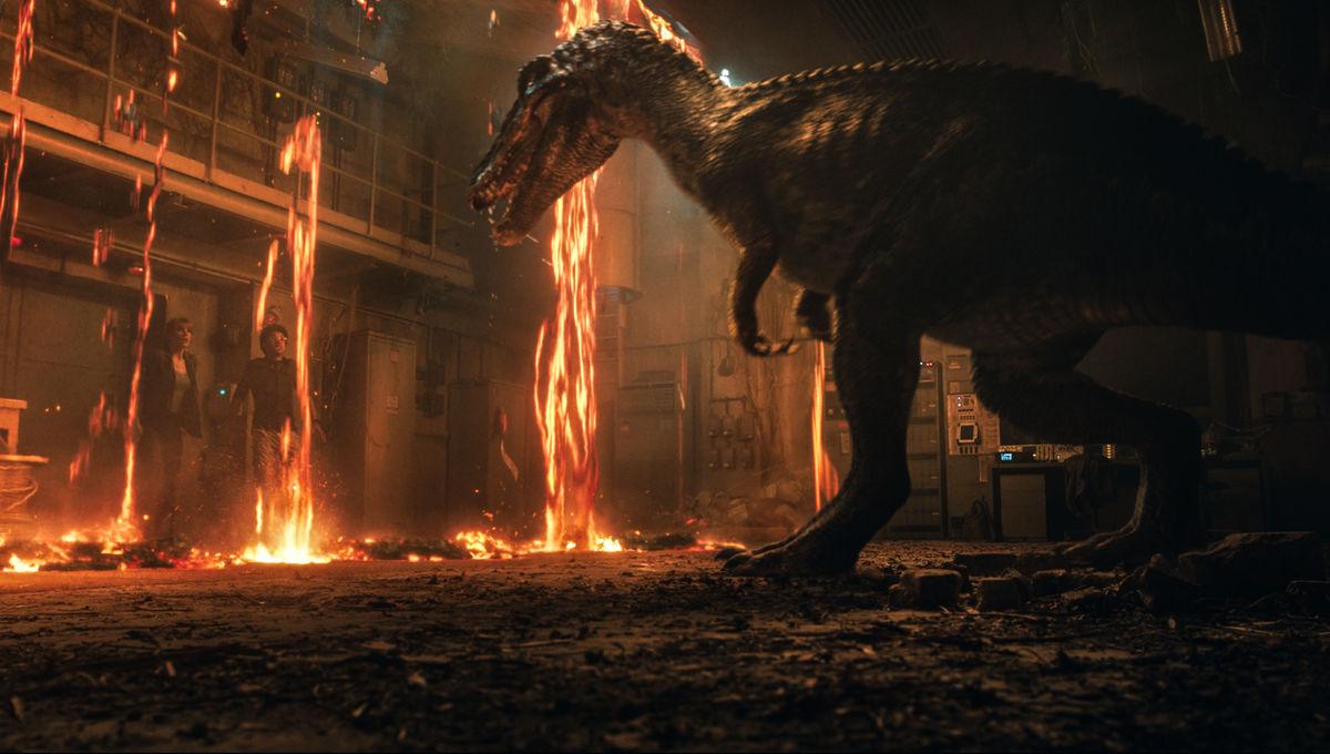 Jurassic World: Fallen Kingdom stars unbox the biggest