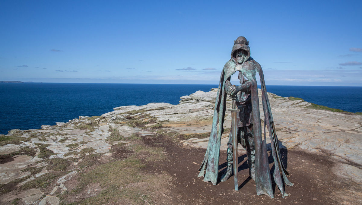 The Lost Queen is the feminist King Arthur story that reminded me why I love to read