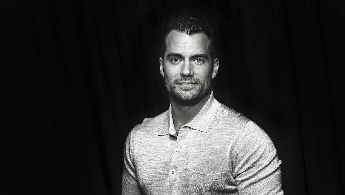 The Witcher Netflix Conjures Up First Look Of Henry Cavill