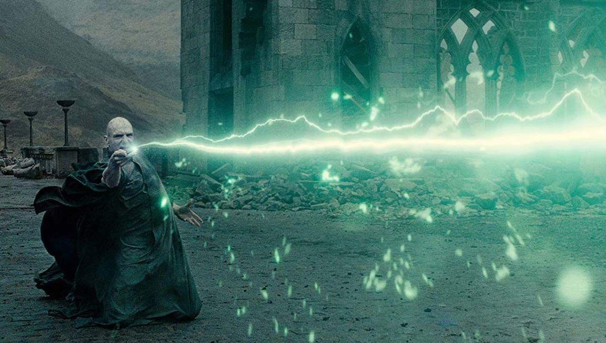 Voldemort with wand hero