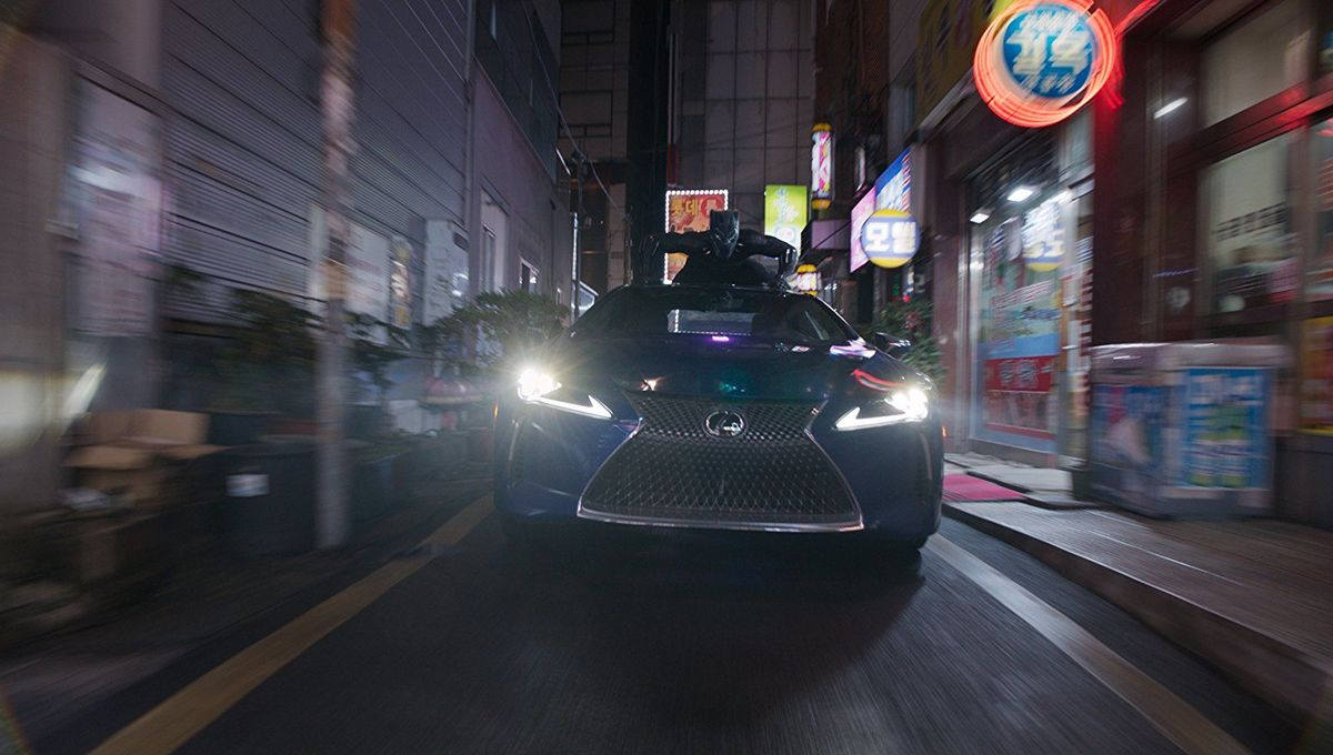 Black Panther car chase