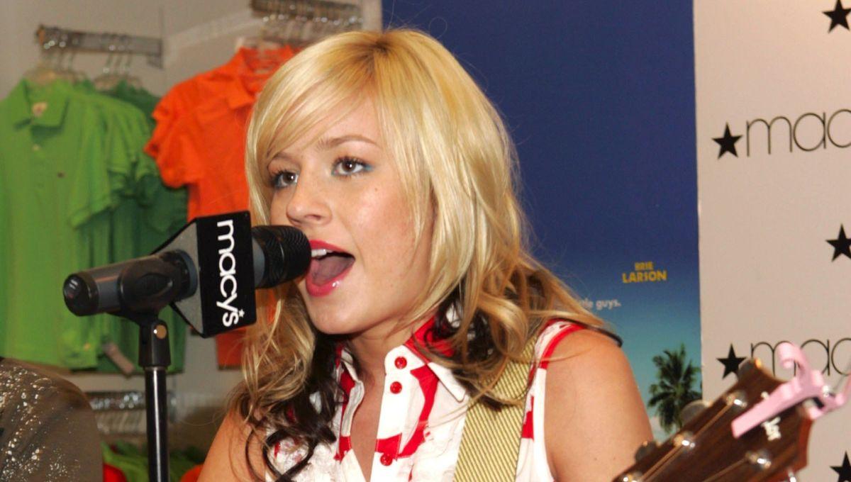 Throwing it back to Brie Larson's teen pop career